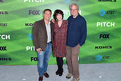 September 13, 2016 - Los Angeles, Kalifornien, USA - Rick Singer, Helen Bartlett und Tony Bill bei der Premiere der FOX TV-Serie 'Pitch' auf dem West LA Little League Field. Los Angeles, 13.09.2016 (Credit Image: © Future-Image via ZUMA Press)