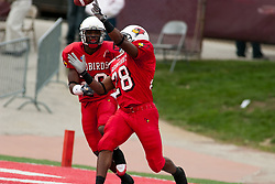 08 Oct 2005  Just 2 fingers don't quite make an interception for James Temple.  The Illinois State University Redbirds roped and tied the Western Kentucky University Hilltoppers in regulation but loosened the noose in Overtime as the Hilltoppers take the honors with a 37 - 24 Victory in Gateway Conference action at Hancock Stadium on Illinois State's campus in Normal IL.