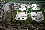 Nederland, Zuid-Holland, Barendrecht, 08-03-2002; ten behoeve van de VINEX lokatie Carnisselande is een nieuwe rioolwaterzuivering aangelegd; infrastructuur bouw riolering vuil water waterbeheer.<br /> luchtfoto (toeslag), aerial photo (additional fee)<br /> foto /photo Siebe Swarte