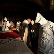 Dressing scene before mass in the sacristy of Solesmes Abbey. 09-01-16<br /> Scène d'habillage avant la messe dans la sacristie de l'abbaye de Solesmes. 09-01-16