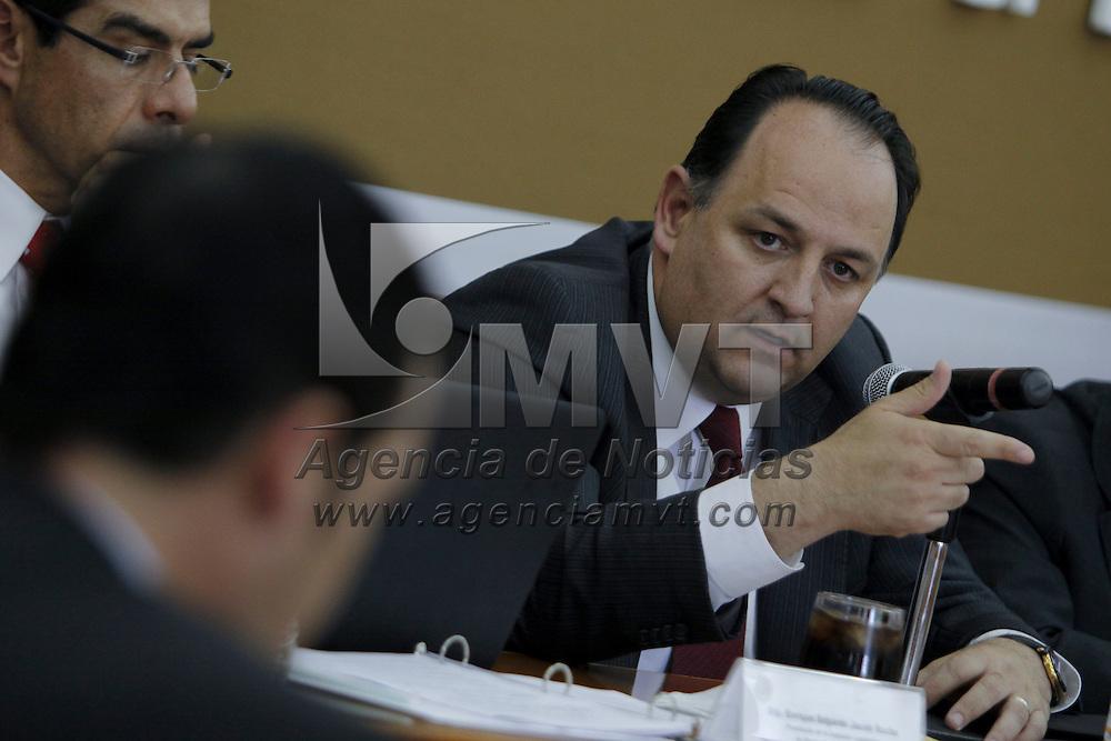 TOLUCA, México.- Raúl Murrieta Cummings, Secretario de Finanzas del Estado de México compareció ante diputados  de la LVII Legislatura local, como parte de la glosa del 6to informe de gobierno de Enrique Peña Nieto. Agencia MVT / Crisanta Espinosa. (DIGITAL)