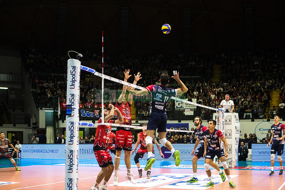 January 13, 2018 - Monza, Italy, Italy - Plotnytskyi Oleg #17 competes during A1 match between Gi Group Monza v Sir Safety Conad Perugia (Credit Image: © Mairo Cinquetti/Pacific Press via ZUMA Wire)