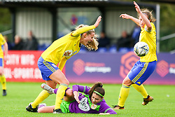 Carla Humphrey of Bristol City challenges Marisa Ewers of Birmingham City Women - Mandatory by-line: Ryan Hiscott/JMP - 14/10/2018 - FOOTBALL - Stoke Gifford Stadium - Bristol, England - Bristol City Women v Birmingham City Women - FA Women's Super League 1