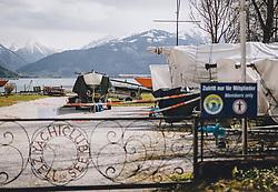 14.04.2020, Zell am See, AUT, Coronavirus in Österreich, im Bild eingewinterte Segelboote beim Yachtclub nach der Quarantäne während der Coronavirus Pandemie // wintered sailboats at the yacht club after the quarantine period during the World Wide Coronavirus Pandemic in Zell am See, Austria on 2020/04/14. EXPA Pictures © 2020, PhotoCredit: EXPA/ JFK