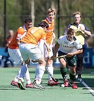 BLOEMENDAAL - HOCKEY - Nick Wilson van R'dam  tijdens de play offs hoofdklasse hockeywedstrijd tussen de mannen van Bloemendaal en Rotterdam (1-4) . Rotterdam door naar de finale. FOTO KOEN SUYK