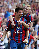 Fotball<br /> England<br /> 08.08.2009<br /> Foto: Fotosports/Digitalsport<br /> NORWAY ONLY<br /> <br /> Alan Lee celebrates his equaliser for palace with Freddie Sears<br /> Coca Cola Chmpionship. Crystal Palace v Plymouth<br /> 08.08.09