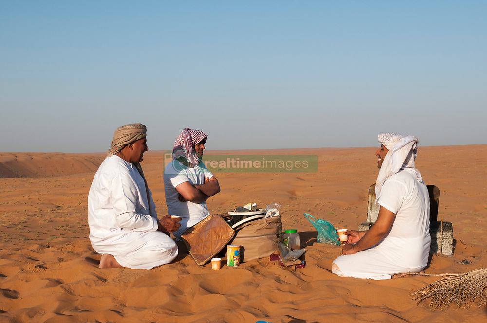 , Oman - 10/26/2013 - Breakfast in the desert, Wahiba Sands desert, Oman(Photo by SharpShooters/VWPics) *** Please Use Credit from Credit Field *** *** Please Use Credit from Credit Field ***