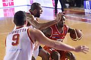 DESCRIZIONE : Roma Lega serie A 2013/14 Acea Virtus Roma Grissin Bon Reggio Emilia<br /> GIOCATORE : Bell Troy<br /> CATEGORIA : palleggio<br /> SQUADRA : Grissin Bon Reggio Emilia<br /> EVENTO : Campionato Lega Serie A 2013-2014<br /> GARA : Acea Virtus Roma Grissin Bon Reggio Emilia<br /> DATA : 22/12/2013<br /> SPORT : Pallacanestro<br /> AUTORE : Agenzia Ciamillo-Castoria/ManoloGreco<br /> Galleria : Lega Seria A 2013-2014<br /> Fotonotizia : Roma Lega serie A 2013/14 Acea Virtus Roma Grissin Bon Reggio Emilia<br /> Predefinita :