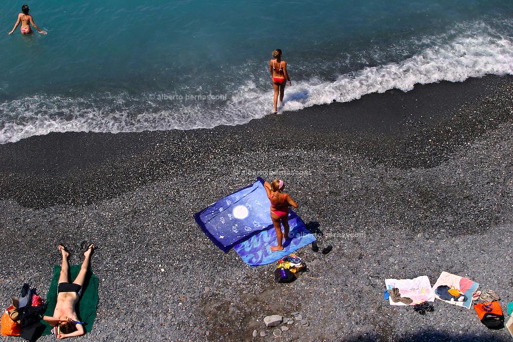 ITALY, Liguria, Camogli.the beach