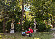 Venice, Biennale Architettura: relax in the Giardini