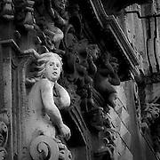 La facciata dell'ex Monastero dei Benedettini, ora università di lettere e filosofia a Catania<br /> <br /> A sculpture on the facade of the former Benedectines Monastery, now letters and philosophy university in Catania.