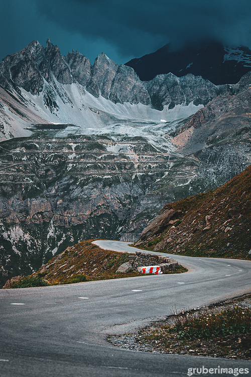 The day the race stopped. The descent of the Iseran, moments before the storm struck that left the race route impassable. 2019 Tour de France.