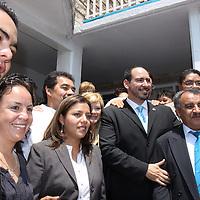 NAUCALPAN, Mex.- El diputado local del Partido de Nueva Alianza, Eynar de los Cobos Carmona inauguro su oficina de atención ciudadana en Naucalpan, estuvo acompañado por sus compañeras diputadas Yolitzi Ramírez, Lucila Garfías y del diputado federal David Sánchez Guevara, y vecinos del municipio. Agencia MVT / Crisanta Espinosa. (DIGITAL)<br /> <br /> NO ARCHIVAR - NO ARCHIVE