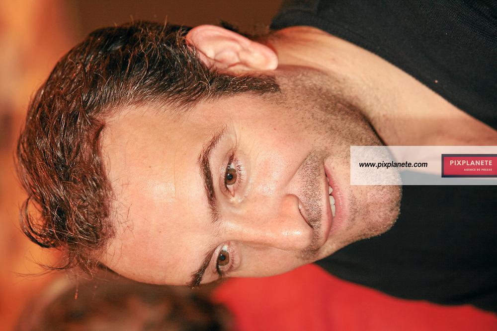 Jean Dujardin - Salon du livre de Paris - 27/03/2007 - JSB / PixPlanete