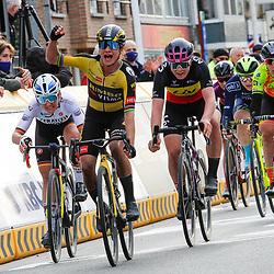 28-03-2021: Wielrennen: Gent-Wevelgem: Wevelgem<br /> Marianne Vos heeft Gent-Wevelgem voor vrouwen op haar naam gebracht. De renster van Jumbo-Visma won de sprint van een eerste peloton. Gent-Wevelgem was één van de weinige wedstrijden die Vos nog niet op haar naam had staan.