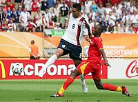 Tor zum 1:1 fuer USA durch Clint Dempsey, Habib Mohamed<br /> Fussball WM 2006 Ghana - USA 2:1<br /> Norway only