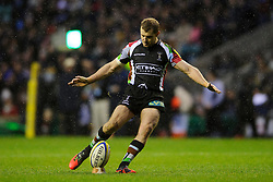 Harlequins Fly-Half (#10) Nick Evans kicks a conversion during the second half of the match - Photo mandatory by-line: Rogan Thomson/JMP - Tel: Mobile: 07966 386802 29/12/2012 - SPORT - RUGBY - Twickenham Stadium - London. Harlequins v London Irish - Aviva Premiership - LV= Big Game 5.