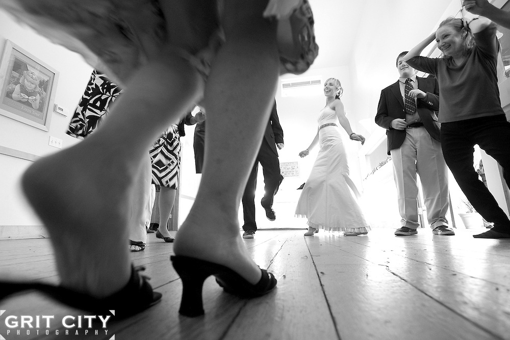 Grit City Photo wedding at the Farm Kitchen in Poulsbo, Washington. Grit City Photography is a Tacoma, Washington based photography business specializing in wedding photography. While we love working in Tacoma, we can visit your location of choice.