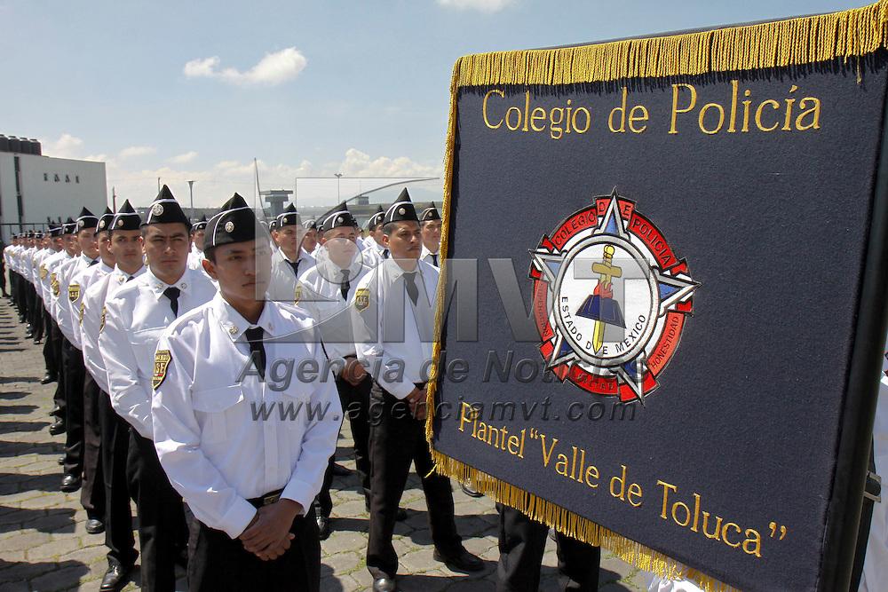 ALMOLOYA DE JUAREZ, México.- 750 cadetes  arrancaron con su curso de formación inicial 2011-2012 para poder ser parte de la Agencia de Seguridad Estatal (ASE). Agencia MVT / Crisanta Espinosa. (DIGITAL)