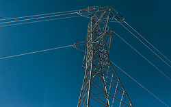 THEMENBILD - Strommast vor blauem Himmel, aufgenommen am 27. Februar 2020 in Kaprun, Oesterreich // Power pole against a blue sky, in Kaprun, Austria on 2020/02/27. EXPA Pictures © 2020, PhotoCredit: EXPA/Stefanie Oberhauser