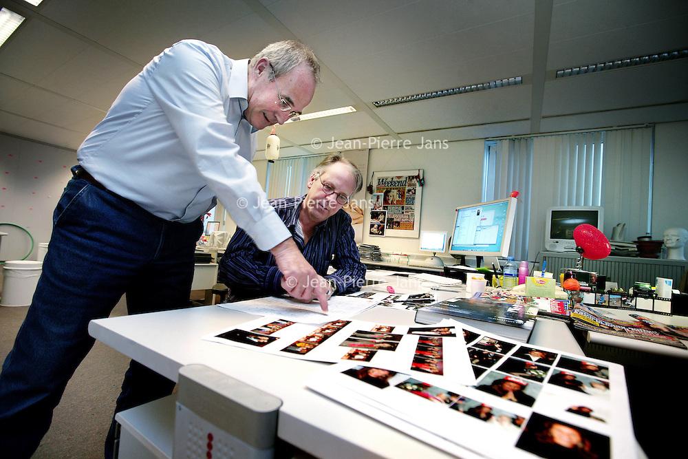 Nederland, Amsterdam , 30 november 2009. .Een kijkje op de redactie van het roddelblad Weekend..Op de foto hoofdredacteur Wim Schaap..Foto:Jean-Pierre Jans