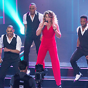 NLD/Hilversum/20151205- Eerste Live uitzending The Voice 2015, Melissa Janssen