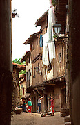 SPAIN, CASTILE and LEON LA ALBERCA; medieval village and national monument located southwest of Avila: children playing