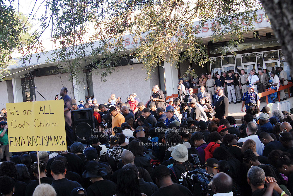 Thousands gather outside the LaSalle Parish court house and show their support for the Jena 6. Rev. Al Sharpton and Michale Baisden from the radio organized the ralley in Jena Louisiana Thursday Sept. 2007.(Photo/© Suzi Altman)