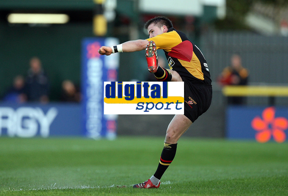 Photo: Rich Eaton.<br /> <br /> Newport Gwent Dragons v Northampton Saints. EDF Anglo-Welsh Cup. 07/10/2006. Ceri Sweeney  of Dragons converts the penalty awarded after Carlos Spencer was yellow carded