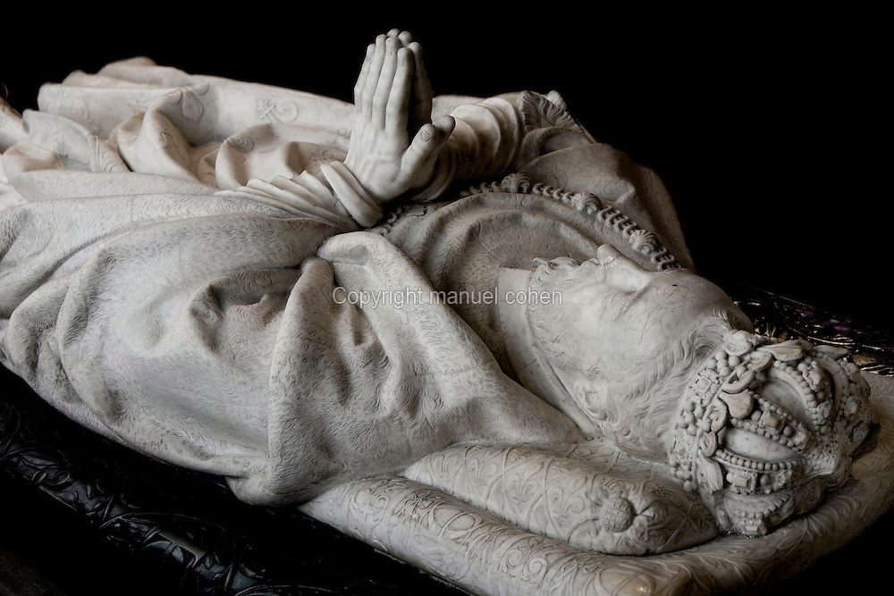 Gisant of Henry II (1519 - 1559) in coronation vestments, marble, by Germain Pilon, commissionned by Catherine de' Medici in 1583, Abbey church of Saint Denis, Seine Saint Denis, France. Picture by Manuel Cohen
