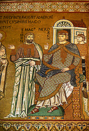 Medieval Byzantine style mosaics of Simon Magnus & Emperor Nero, Palatine Chapel, Cappella Palatina, Palermo, Italy .<br /> <br /> If you prefer you can also buy from our ALAMY PHOTO LIBRARY  Collection visit : https://www.alamy.com/portfolio/paul-williams-funkystock/byzantine-art-antiquities.html . Type -    Palatine     - into the LOWER SEARCH WITHIN GALLERY box. Refine search by adding background colour, place, museum etc<br /> <br /> Visit our BYZANTINE MOSAIC PHOTO COLLECTION for more   photos  to download or buy as prints https://funkystock.photoshelter.com/gallery-collection/Roman-Byzantine-Art-Artefacts-Antiquities-Historic-Sites-Pictures-Images-of/C0000lW_87AclrOk