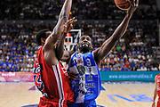 DESCRIZIONE : Campionato 2014/15 Dinamo Banco di Sardegna Sassari - Olimpia EA7 Emporio Armani Milano Playoff Semifinale Gara3<br /> GIOCATORE : Shane Lawal<br /> CATEGORIA : Tiro Penetrazione Sottomano<br /> SQUADRA : Dinamo Banco di Sardegna Sassari<br /> EVENTO : LegaBasket Serie A Beko 2014/2015 Playoff Semifinale Gara3<br /> GARA : Dinamo Banco di Sardegna Sassari - Olimpia EA7 Emporio Armani Milano Gara4<br /> DATA : 02/06/2015<br /> SPORT : Pallacanestro <br /> AUTORE : Agenzia Ciamillo-Castoria/L.Canu