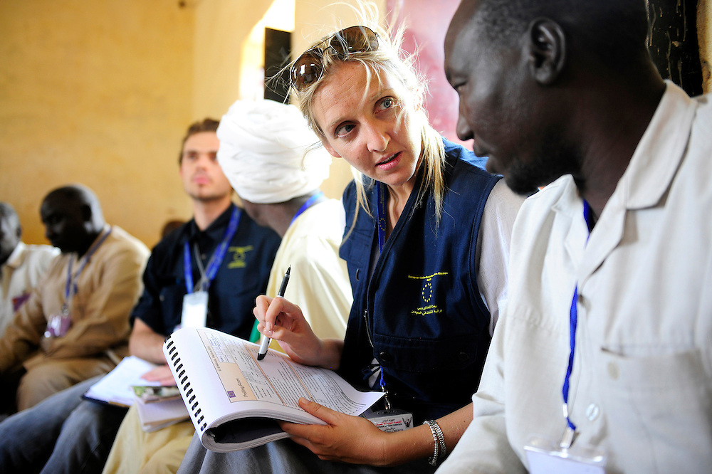 Haj Youssef, Sudan 14 April 2010.EU observers control a polling station during the presidential elections in Sudan..Photo : Scorpix