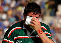 Photo: Henry Browne.<br /> Stade Francais v Leicester Tigers. Heineken Cup.<br /> 29/10/2005.<br /> Martin Corry of Tigers comes off with a bloody nose in the first half.