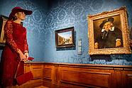 Koningin Maxima opent woensdagochtend 4 oktober in het Mauritshuis in Den Haag de reizende tentoonst