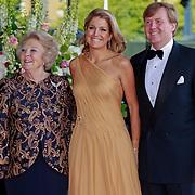 NLD/Amsterdam/20110527 - 40ste verjaardag Prinses Maxima, Koningin Beatrix, Prinses Maxima en Kroonprins Willem Alexander