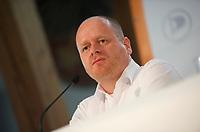 DEU, Deutschland, Germany, Neumarkt i. d. Oberpfalz, 12.05.2013:<br />Bundesparteitag der Piratenpartei Deutschland. Bernd Schlömer, Vorsitzender der Piratenpartei, während einer Pressekonferenz.