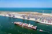 Nederland, Zuid-Holland, Rotterdam, 10-06-2015;  Yangtzehaven met Euromax Terminal. Container Ship Le  Havre van APL (American President Lines) onderweg naar de containerterminal van RWG (Rotterdam World Gateway), geassisteerd door twee sleepboten van Kotug.<br /> Container Ship Le Havre APL (American President Lines) on its way to the container terminal of RWG (Rotterdam World Gateway), assisted by two tugs Kotug.<br /> <br /> luchtfoto (toeslag op standard tarieven);<br /> aerial photo (additional fee required);<br /> copyright foto/photo Siebe Swart