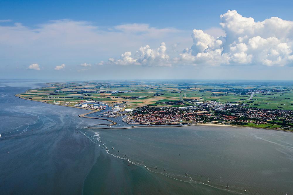 Nederland, Friesland, Waddenzee, 05-08-2014; vaargeul en haven bij Harlingen.<br /> Waterway and harbour near Harlingen, Wadden Sea.<br /> <br /> luchtfoto (toeslag op standard tarieven);<br /> aerial photo (additional fee required);<br /> copyright foto/photo Siebe Swart