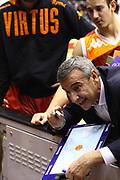 DESCRIZIONE : Milano Lega A 2011-2012 EA7 Emporio Armani Milano Acea Virtus Roma<br /> GIOCATORE : Lino Lardo Coach<br /> SQUADRA : Acea Virtus Roma<br /> EVENTO : Campionato Lega A 2011-2012<br /> GARA :  EA7 Emporio Armani Milano Acea Virtus Roma<br /> DATA : 03/01/2012<br /> CATEGORIA : Coach<br /> SPORT : Pallacanestro<br /> AUTORE : Agenzia Ciamillo-Castoria/F.Zovadelli<br /> GALLERIA : Lega Basket A 2011-2012<br /> FOTONOTIZIA : Milano Campionato Italiano Lega A 2011-12  EA7 Emporio Armani Milano Acea Virtus Roma<br /> PREDEFINITA :