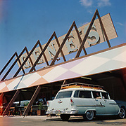 Y-600624-12. Gene's Drive-In, 1030 NE 82nd., between Hassalo & Holladay, now Taco Time. June 24, 1960