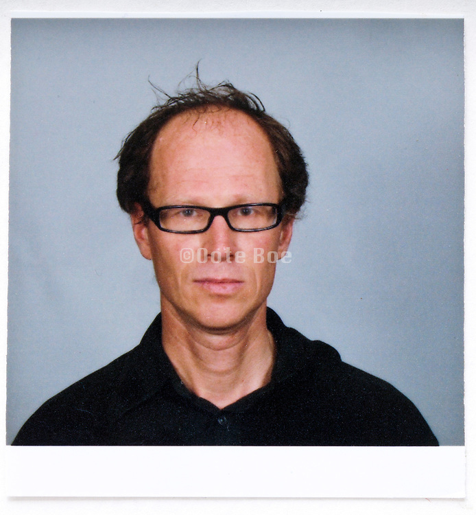 identity style  head and shoulder portrait photo in the beginning 2000s