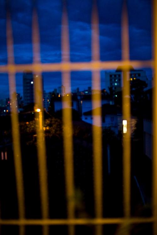 Belo Horizonte_MG, Brasil...Vista do bairro Serra em uma janela...View of Serra neighborhood in a window...Foto: JOAO MARCOS ROSA / NITRO