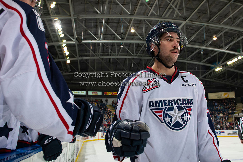 KELOWNA, CANADA - DECEMBER 5:  Nolan Yaremko #22 of the Tri-City Americans first bumps players on the bench after scoring a goal against the Kelowna Rockets on December 5, 2018 at Prospera Place in Kelowna, British Columbia, Canada.  (Photo by Marissa Baecker/Shoot the Breeze)