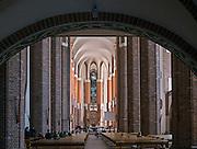 Szczecin, (woj. zachodniopomorskie), 15.07.2013. Nawa główna Bazyliki archikatedralnej świętego Jakuba.