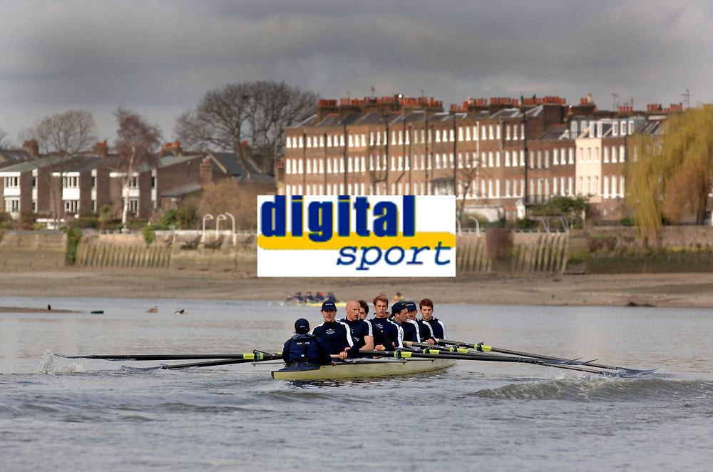 Photo: Daniel Hambury.<br />Varsity Boat Race Preview Day. 29/03/2006.<br />The Oxford crew during practise.