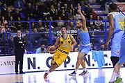 DESCRIZIONE : Porto San Giorgio Lega A 2013-14 Sutor Montegranaro Vanoli Cremona<br /> GIOCATORE : Daniele Cinciarini<br /> CATEGORIA : palleggio<br /> SQUADRA : Sutor Montegranaro<br /> EVENTO : Campionato Lega A 2013-2014<br /> GARA : Sutor Montegranaro Vanoli Cremona<br /> DATA : 12/01/2014<br /> SPORT : Pallacanestro <br /> AUTORE : Agenzia Ciamillo-Castoria/C.De Massis<br /> Galleria : Lega Basket A 2013-2014  <br /> Fotonotizia : Porto San Giorgio Lega A 2013-14 Sutor Montegranaro Vanoli Cremona<br /> Predefinita :