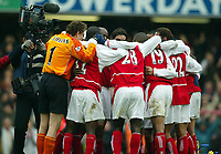 Photo: Scott Heavey, Digitalsport.<br /> Chelsea v Arsenal. FA Barclaycard Premiership. 21/02/2004.<br /> Arsenal show their team spirit after the victory