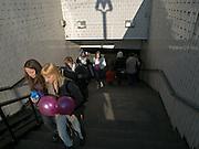 Eingang zur Metrostation Leninbibliothek (Bibliotjeka imena.Ljenina) im Zentrum der russischen Hauptstadt Moskau.<br /> <br /> Entrance to the Metro station Lenin Library (Bibliotjeka imena Ljenina) in the center of the Russian capitol Moscow.