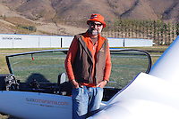 Gavin Wills, professional glider pilot, owner, Glide Omarama, South Island, New Zealand, 201004075166.<br />